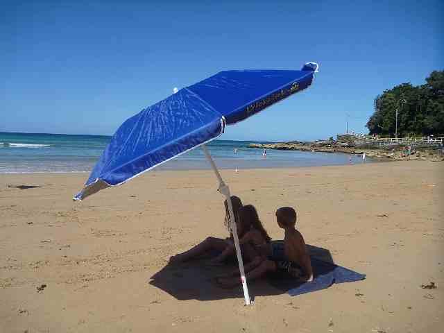 Bambini sotto Ombrellone da Spiaggia