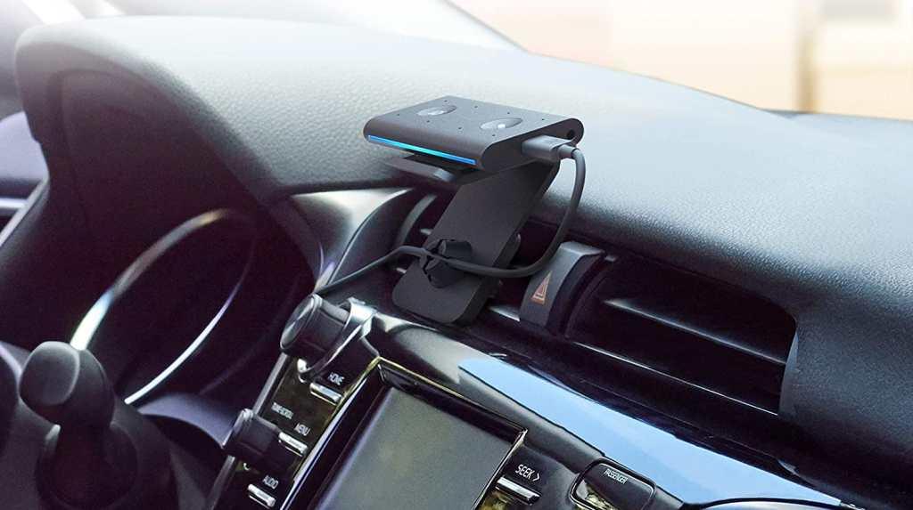 Echo Auto per Avere Alexa Anche in Macchina